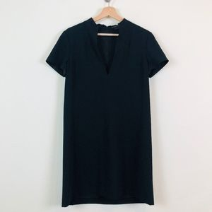 Alice + Olivia Employed Shift Black V Neck Dress